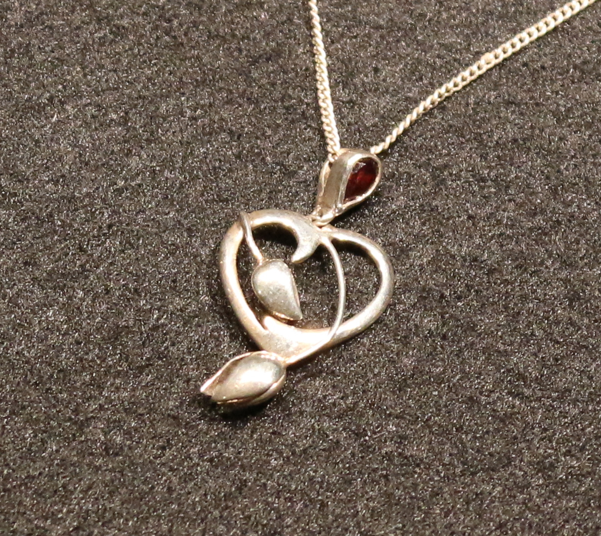Tulip heart necklace