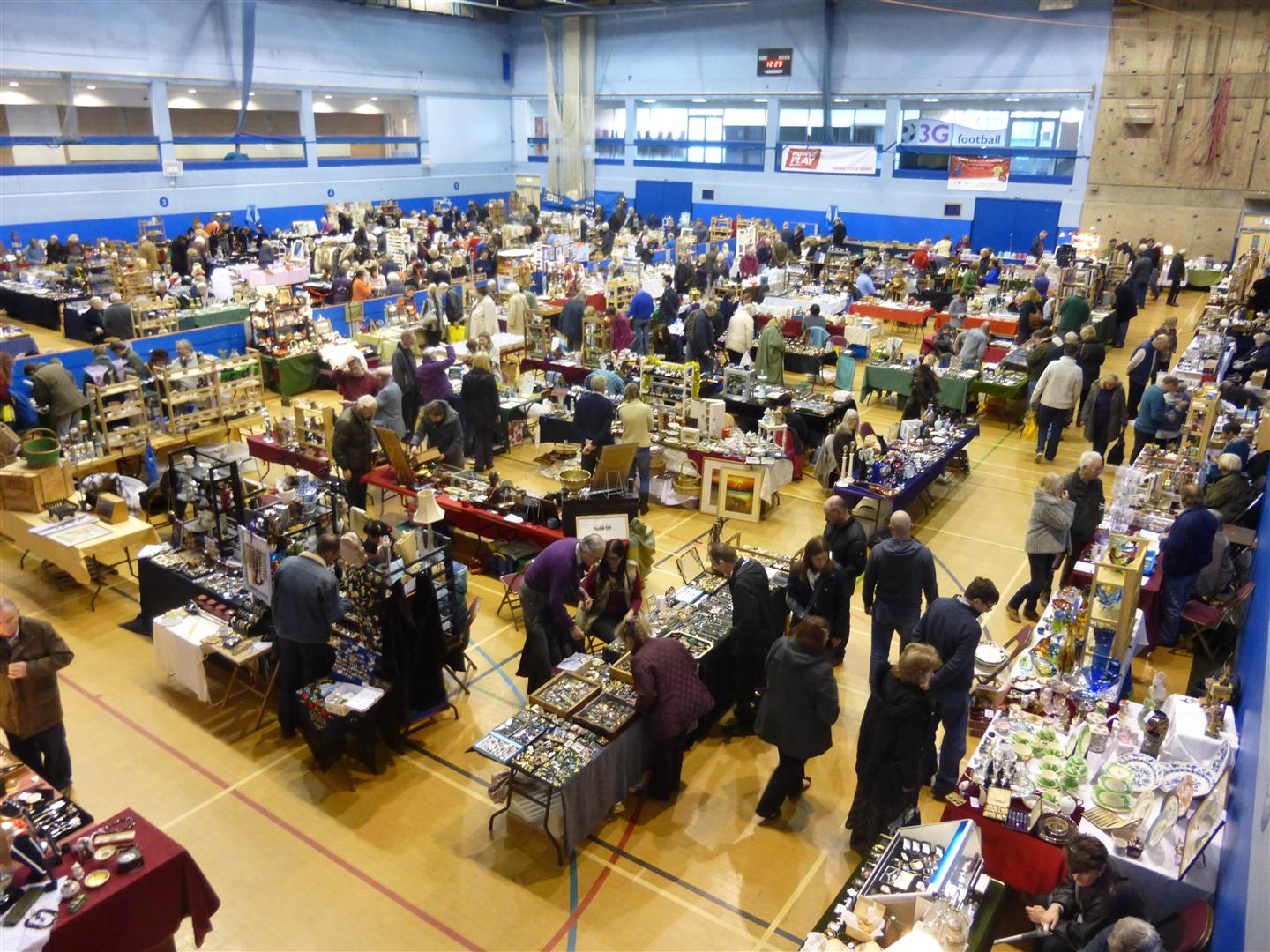 Flea, antiques & collectors market